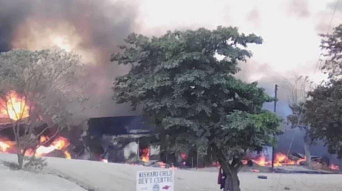At least 19 dead after fuel truck crash in western Uganda