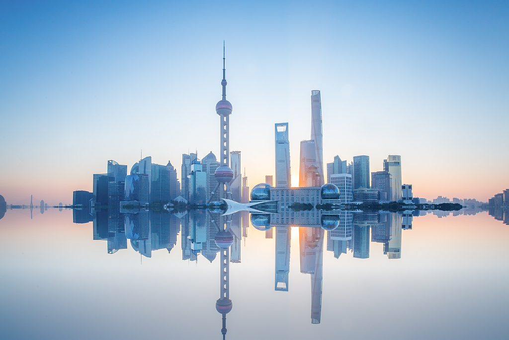 Shanghai's top 100 companies report strong growth