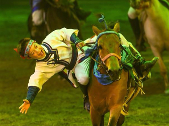 Horse dance show 'Eternal Horse Ode' staged in Hohhot