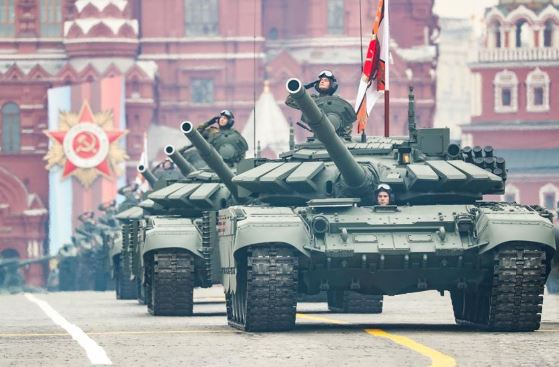 Russia to strengthen defense in western, eastern borders
