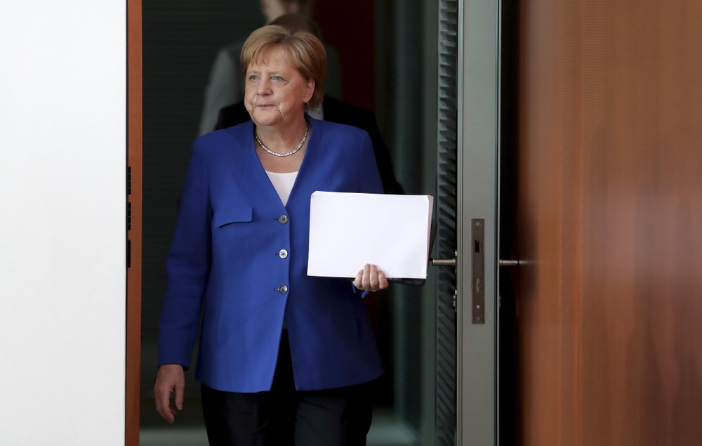 Merkel seeks 'frictionless' Brexit before meeting UK leader