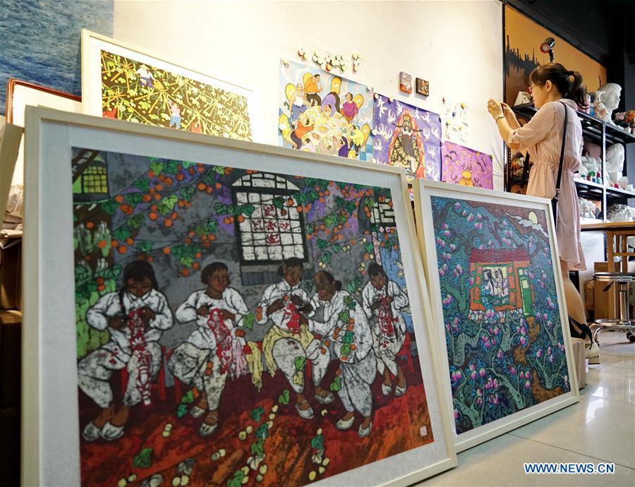 In pics: farmer's painting, provincial intangible cultural heritage in Hebei