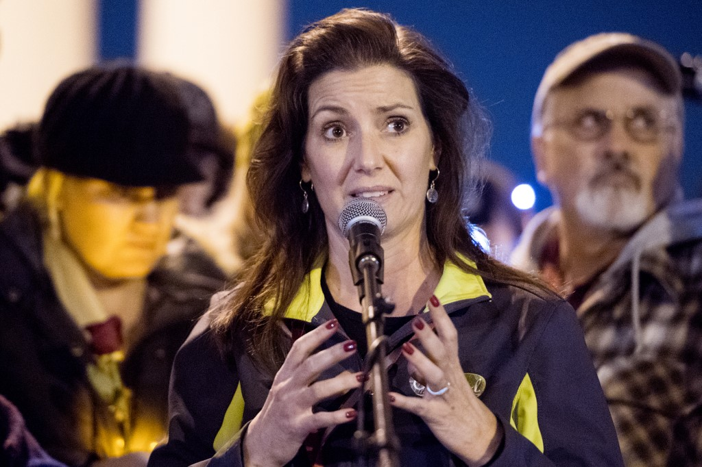 Oakland mayor in California criticizes Trump's trade policy with China for harming American jobs