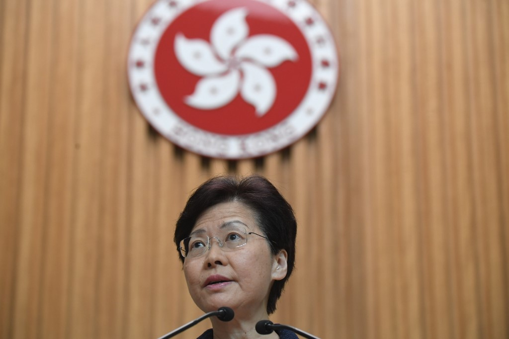 HKSAR chief executive calls for dialogue to solve problems