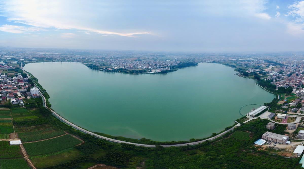 Fujian supplies water to Kinmen in Taiwan