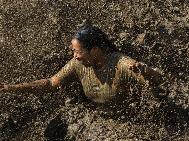 Mud Hero obstacle race held in Toronto