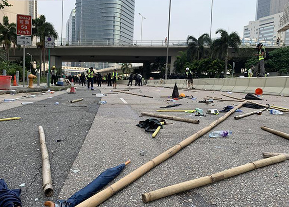 Hong Kong gov't condemns violent protesters, vows to investigate