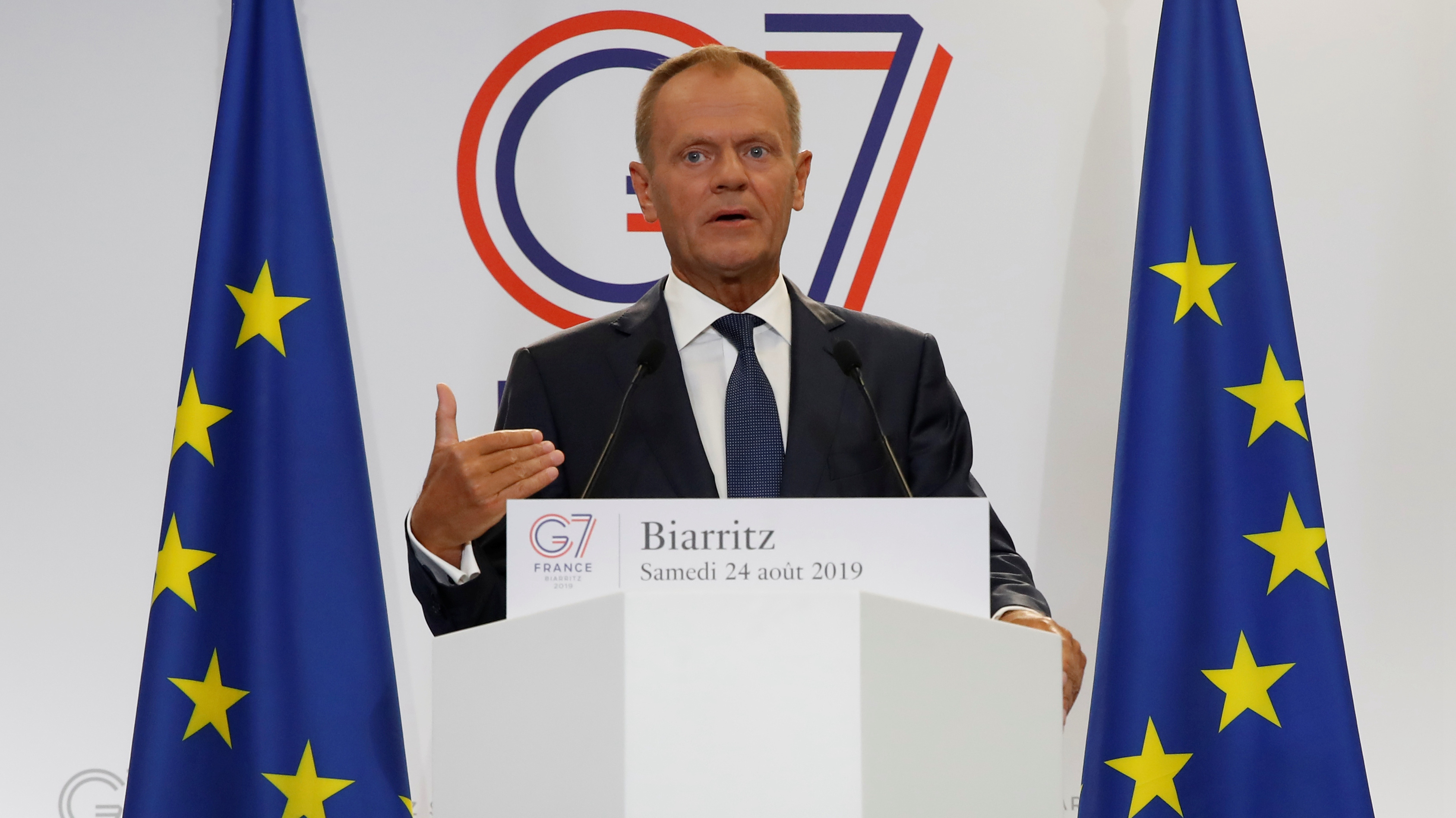 Tusk says EU would respond to US tariffs on French wine, warning on trade war risks