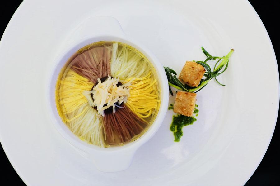 Cuisine contest in Dalian celebrates Chinese flavors