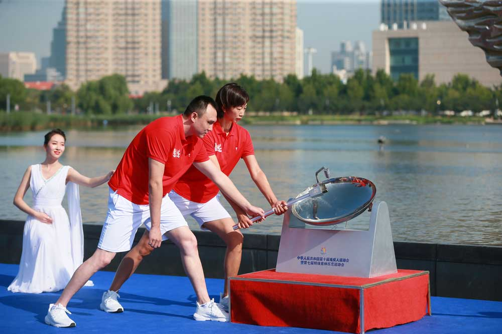 Record field as Tianjin kicks off twin events for nation's disabled athletes