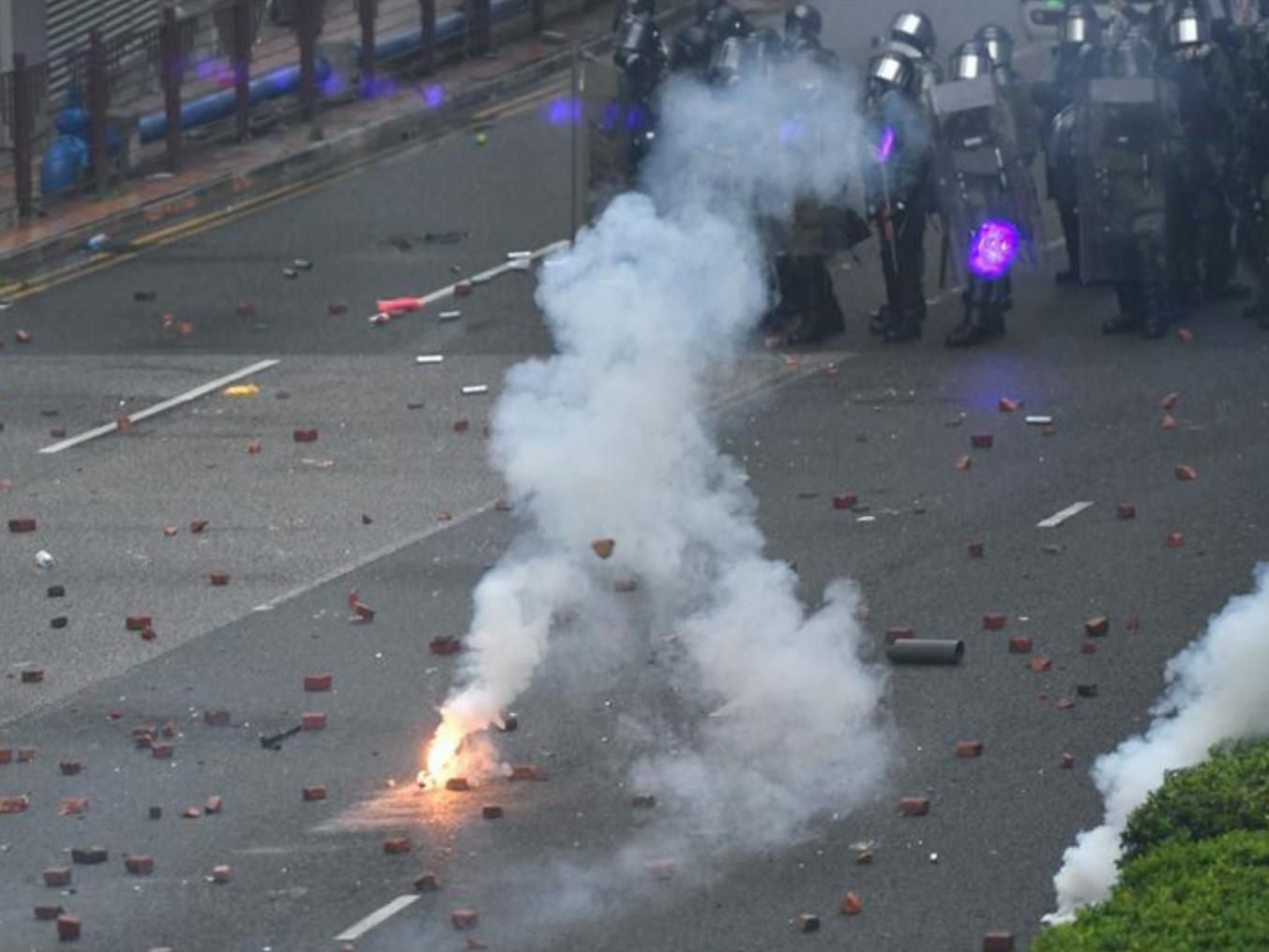 21 officers injured in weekend violent incidents: Hong Kong police