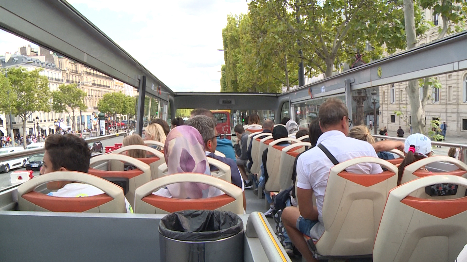 Paris pushes back against tour buses