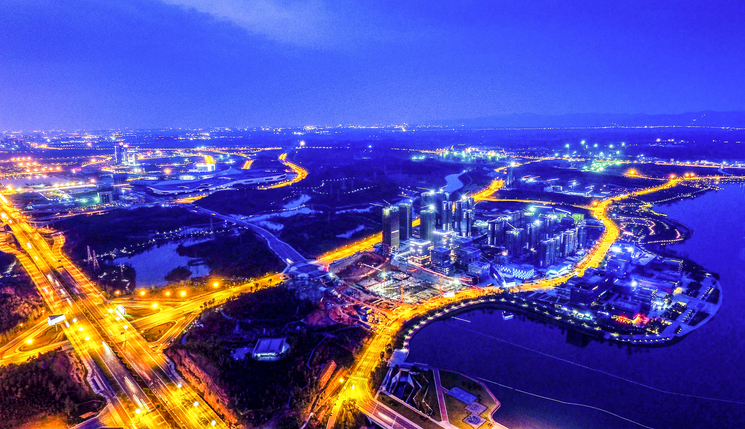 China delivers greater reform, opening up with six new FTZs
