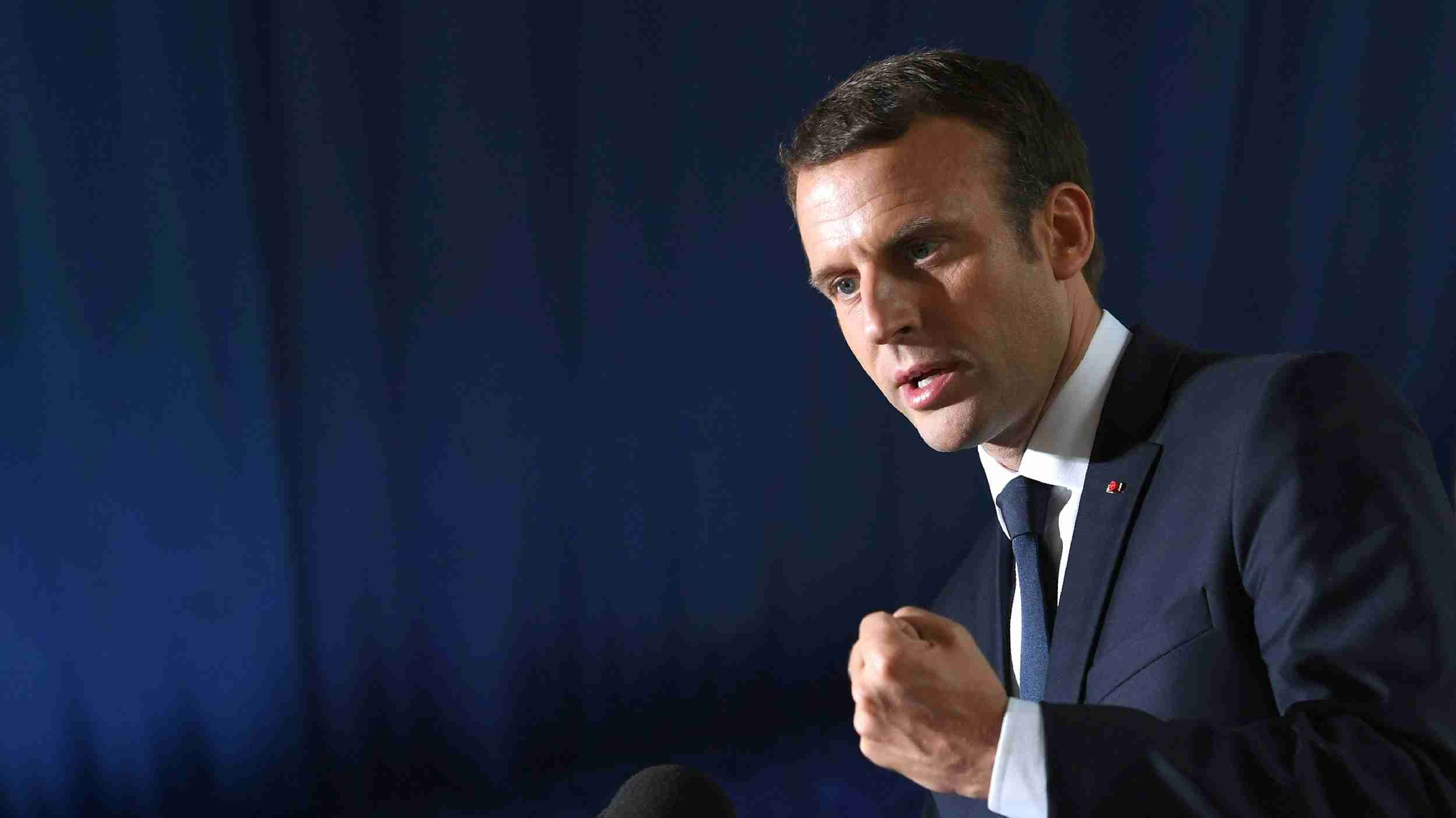 Macron pushes outreach to Russia, offers 'balancing' role