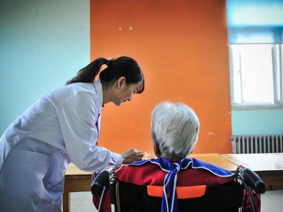China promotes nursing services for debilitated senior citizens