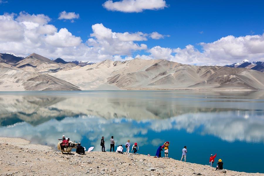 Xinjiang to improve environment of rivers, lakes