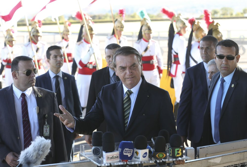 Brazil's president demands Macron apology before mulling G7 aid