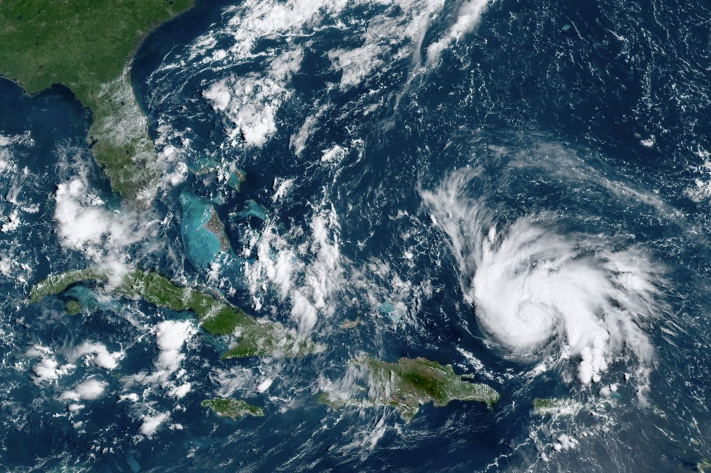 Hurricane Dorian picks up steam, menaces Florida