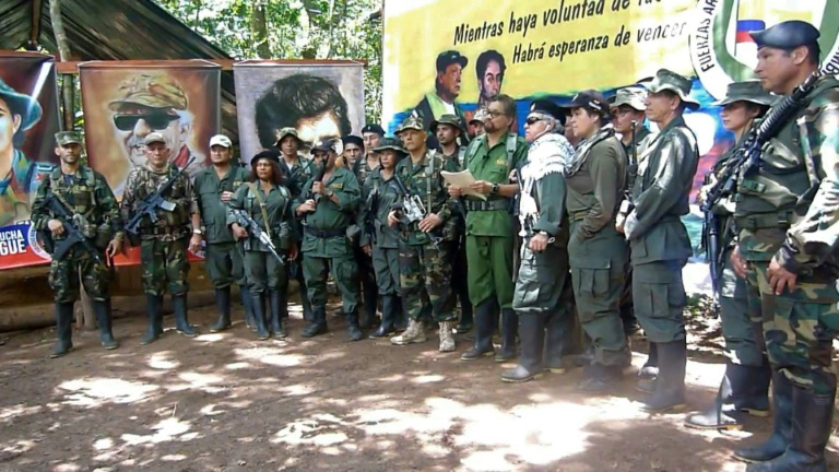 Former Colombian rebel leader announces return to arms