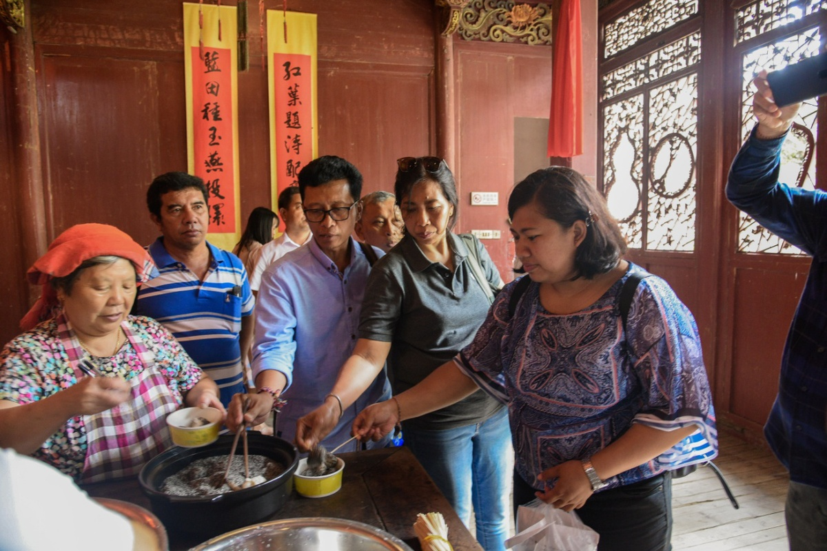 Beauty in Jiangxi attracts Indonesian media