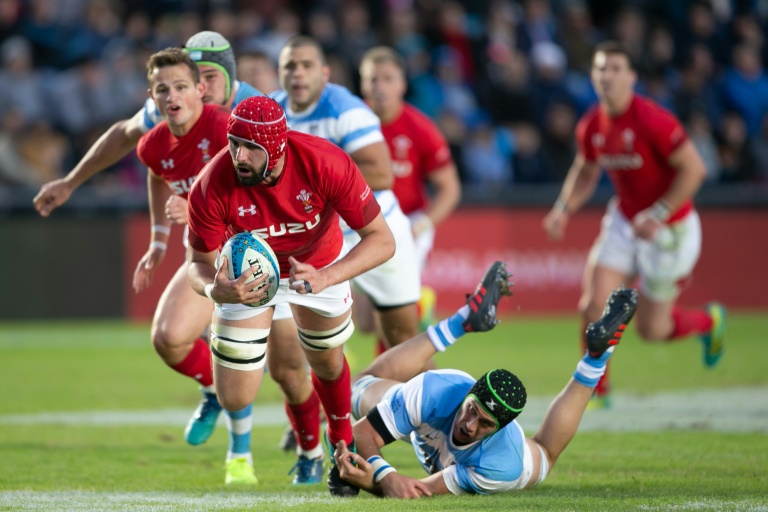 Hill in Wales' World Cup squad despite leg fracture