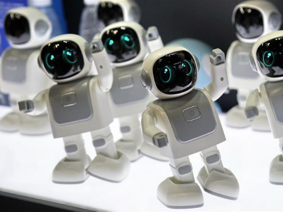 Robot manufacturers focus on middle and high-end market