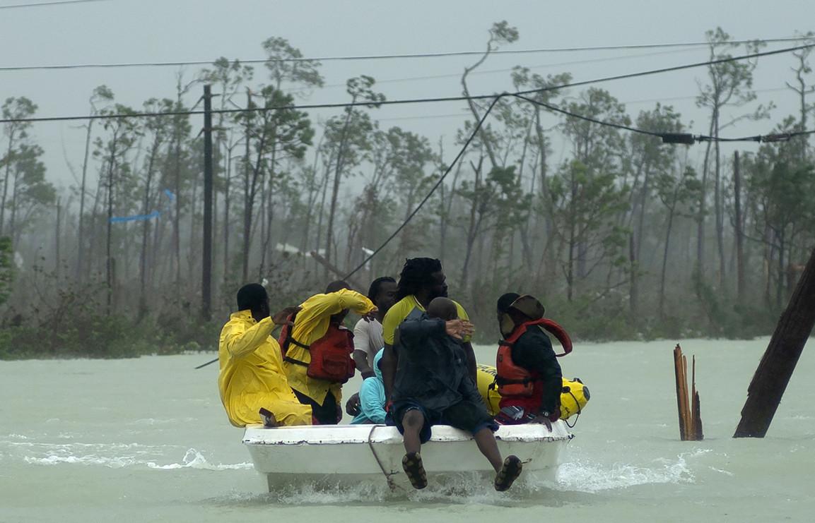 Hurricane Dorian closes in on Florida coast after battering Bahamas