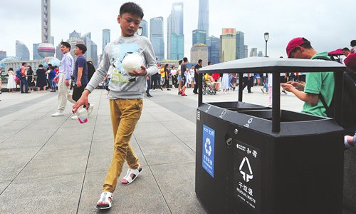 Six more cities join Shanghai in implementing garbage sorting rules