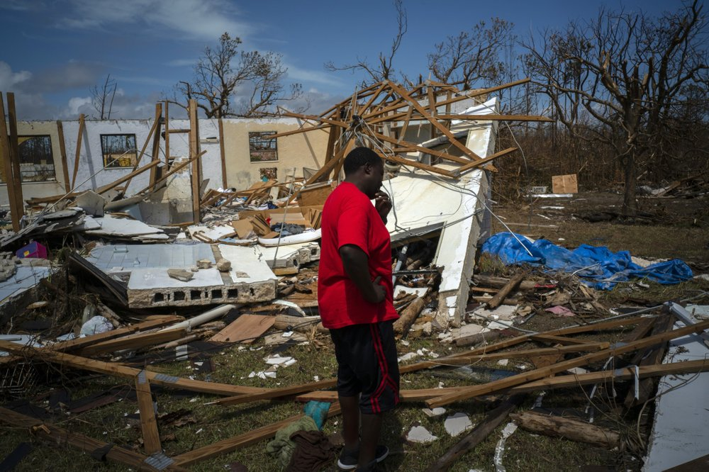 Aid effort picks up momentum as some Bahamians seek way out