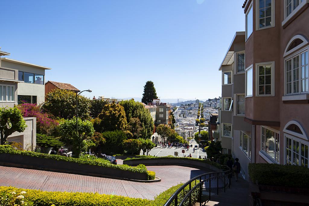 San Francisco may charge visitors for driving down landmark street