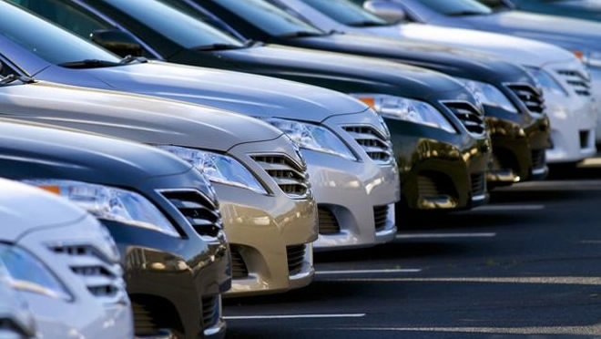 China's passenger car sales drop in August