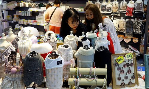 Chinese retail giants see sales rise to over 7 trillion yuan