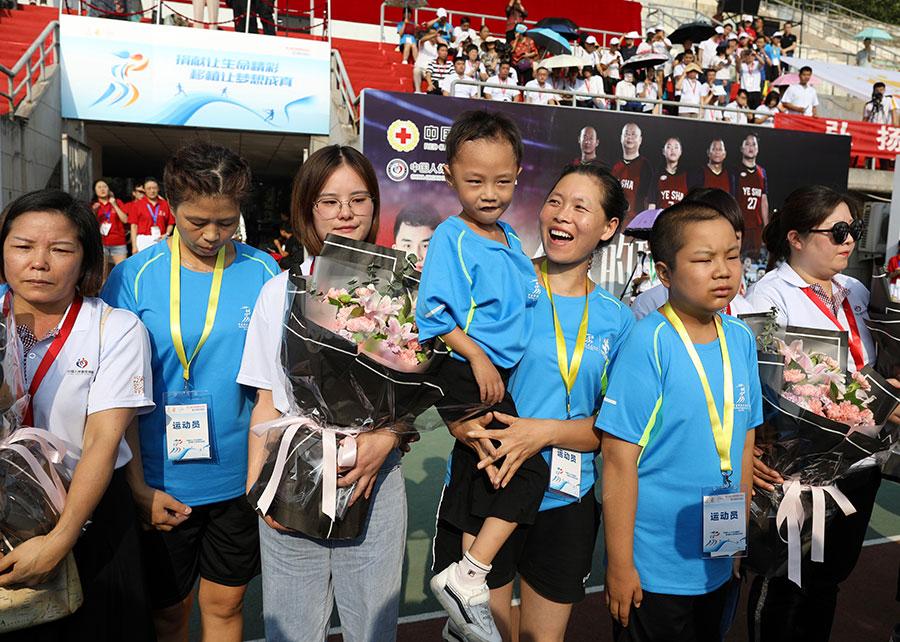 Gathering of organ donors, recipients