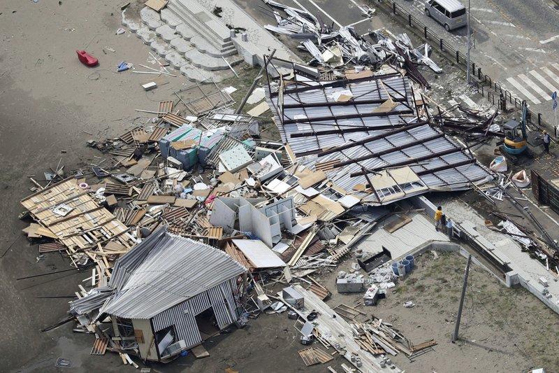 Typhoon Faxai kills 3 in Tokyo metropolitan area