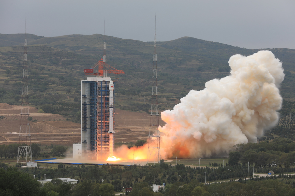 China's first polar observation satellite launched