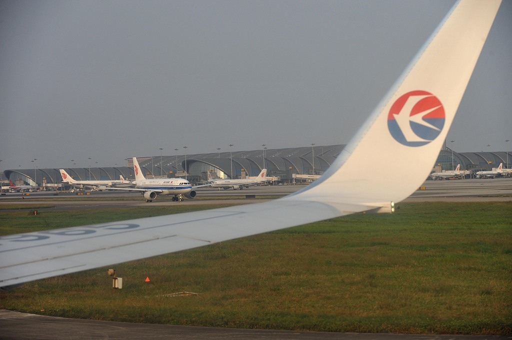 Thunderstorm delays flights in Chengdu