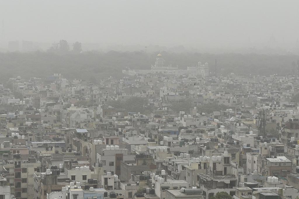 New Delhi announces plan to combat winter toxic air
