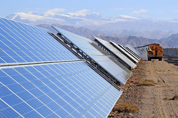 Solar power helps Xinjiang alleviate poverty
