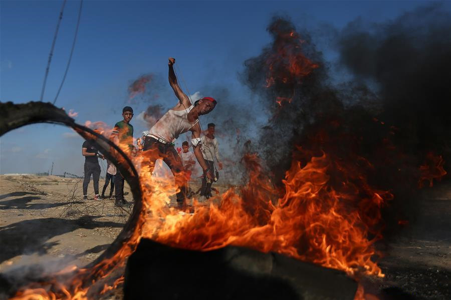 55 Palestinians injured in clashes with Israeli soldiers in eastern Gaza
