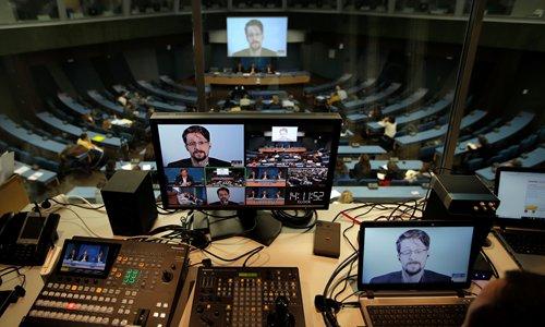 Snowden in new France asylum bid