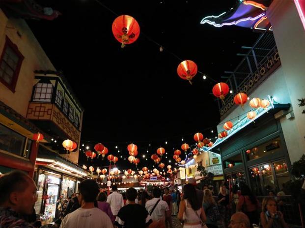 Mid-Autumn Festival celebration held at Chinatown in LA, U.S.