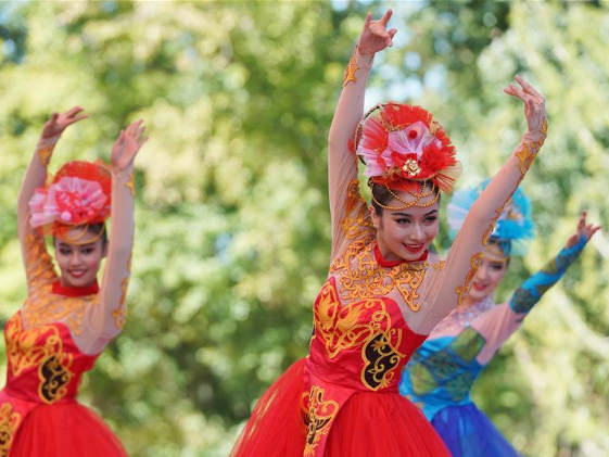 'Xinjiang Day' event held at Beijing expo