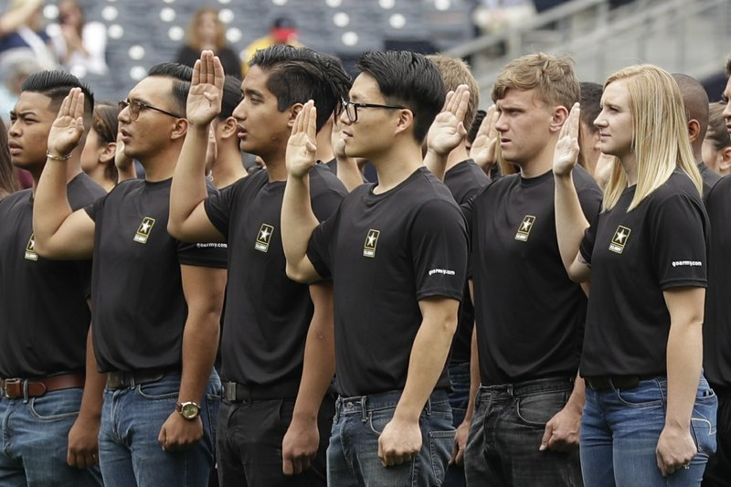 US Army revamps recruiting, hits enlistment goal