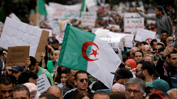 Algerian army chief orders ban on buses carrying protesters into capital