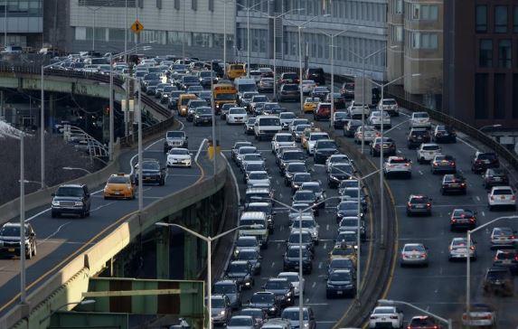 rush hour nyc (xinhua).jpg