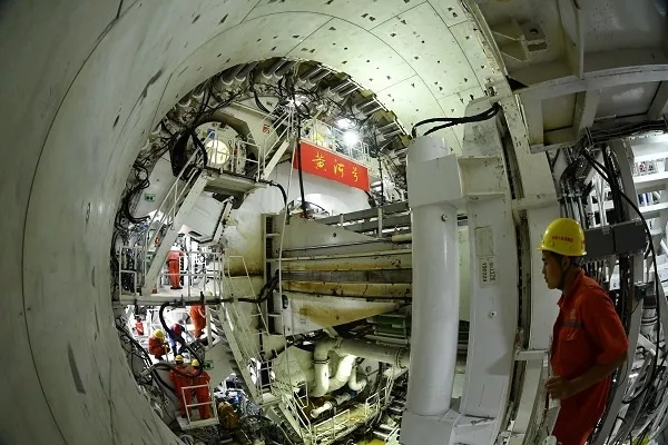 China's first Yellow River tunnel begins construction
