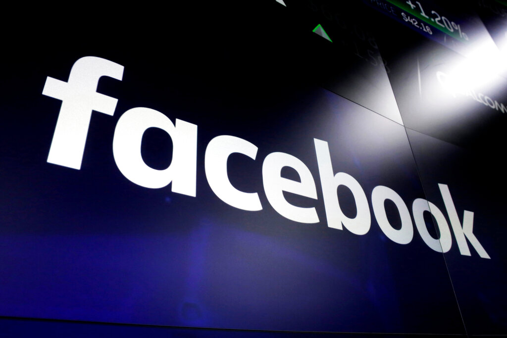 Facebook employee commits suicide