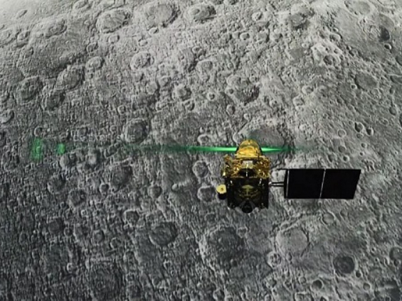 India attempts to contact lunar lander as deadline approaches
