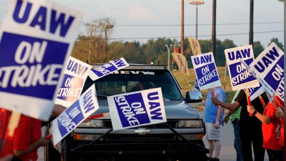 GM talks hit impasse, labor strike continues