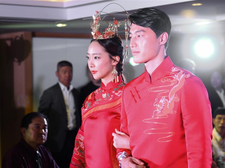 Fashion show themed on Song brocade held in Hong Kong